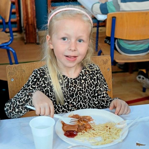 Lærke på 6 år går for tiden i Børnehaven. Til sommer fortsætter hun på Friskolen, og hun kunne ikke tænke sig at gå i skole andre steder. Foto: Niels Helver Niels Helver