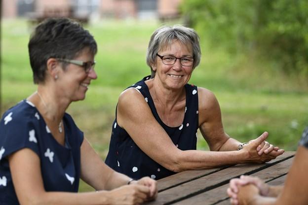 """Anni Hyldgaard og Grethe Andreasen fra Lokalrådet i Haverslev/Ravnkilde - hører gerne fra lokale, der vil være med til at arbejde for Kløverstier og """"Kunst i bybilledet"""" i lokalområdet. Arkivfoto"""