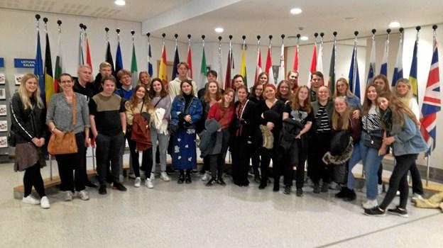 Eleverne fra Vesthimmerlands Gymnasium og HF på besøg i Europaparlamentet. Privatfoto