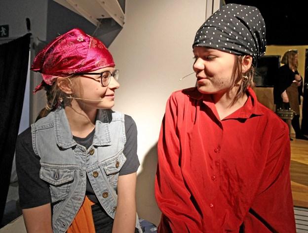 I årets skolekomedie på Asaa Skole optrådte fæle sørøvere, der kidnappede en ung pige. Foto: Jørgen Ingvardsen