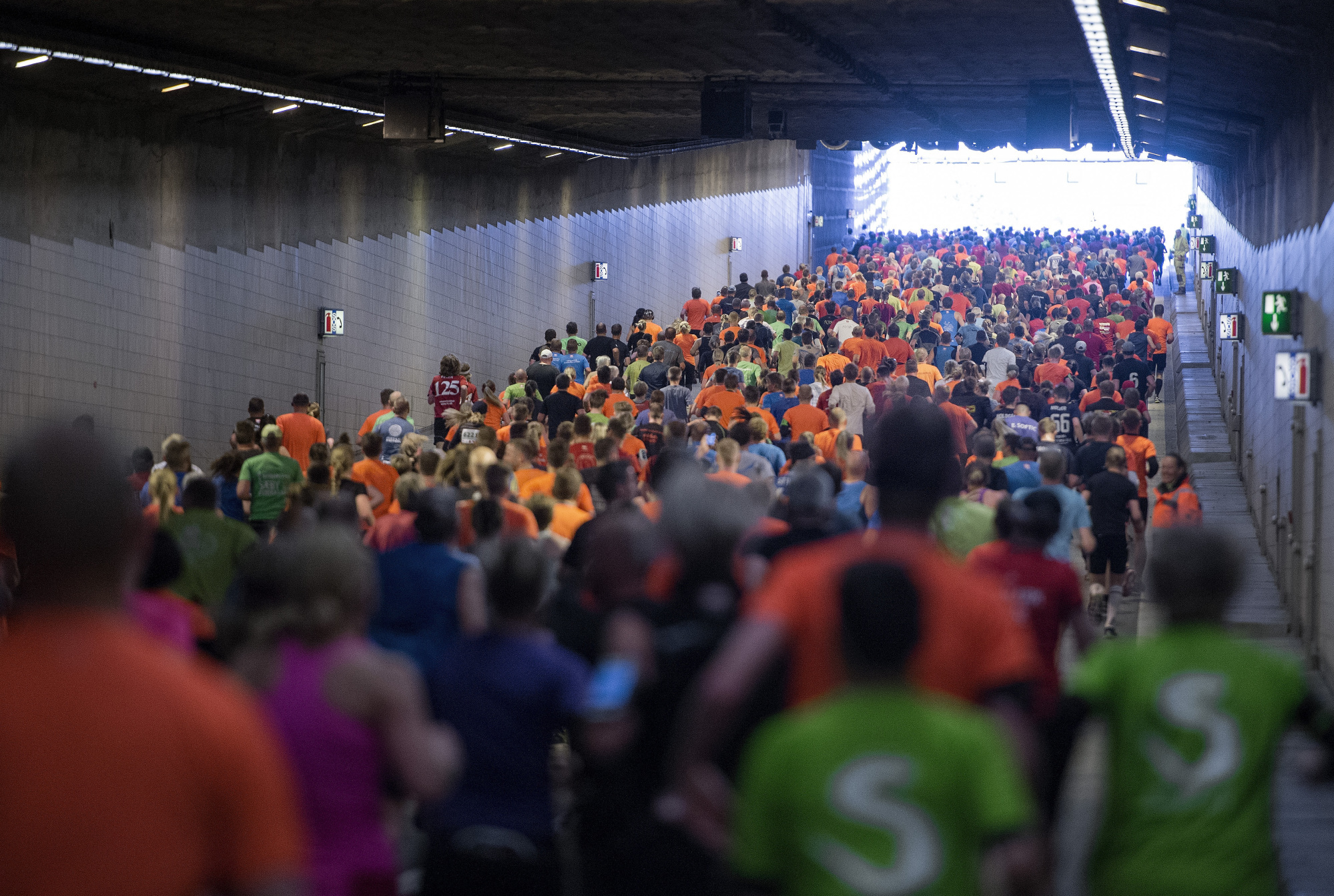 Tusinder af løbende og gående skal være med til at fejre Tunnels jubilæum på søndag. Arkivfoto: Henrik Bo