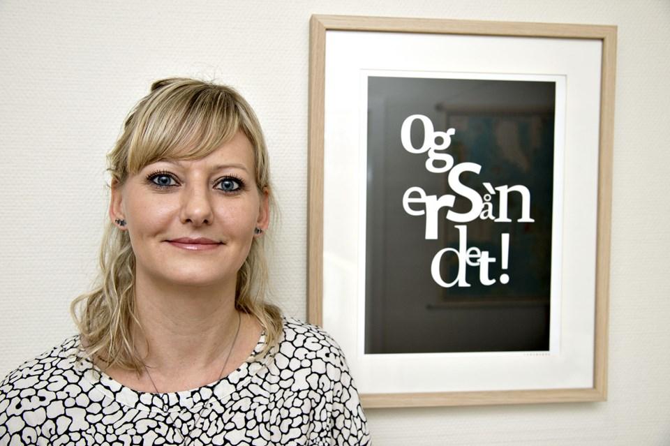 I nogle af plakaterne indgår der bogstaver på forskellige måder. Foto: Kurt Bering