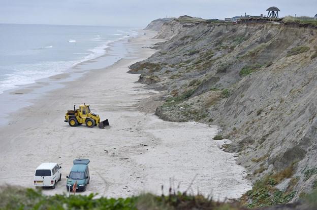 Klokkestablen er flyttet efter dette foto er taget fra stranden ved Nørre Lyngby  Arkivfoto: Bente Poder