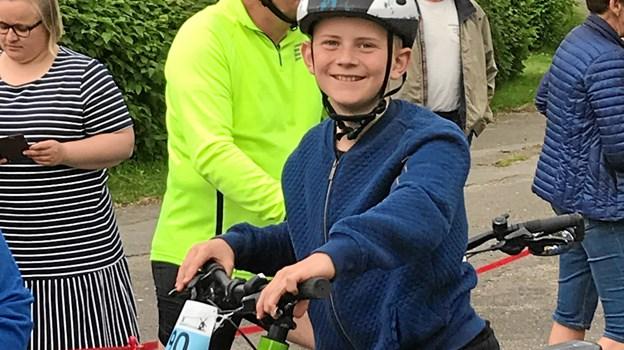 Anders med den sort-hvide cykelhjelm har trænet flittigt og glæder sig til turen, der begynder lørdag 29. juni og slutter onsdag 3. juli i København.