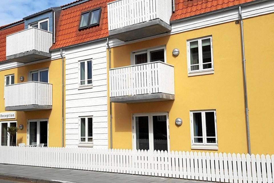 Hotel Marie ser indbydende ud med Skagen gul og røde tagsten. Foto: Ole Svendsen