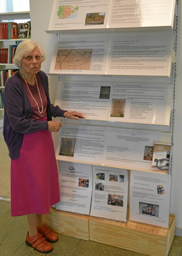 Tovholder på udstillingen er Birte Overgaard fra lokalhistorisk arkiv i Hadsund. ?Foto: hhr-freelance.dk
