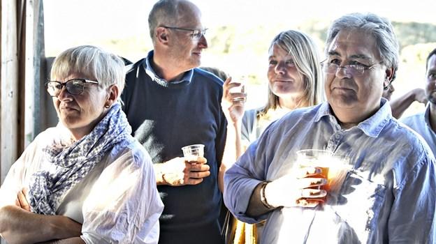 Gæsterne nød både musik og øl.Foto: Bent Bach