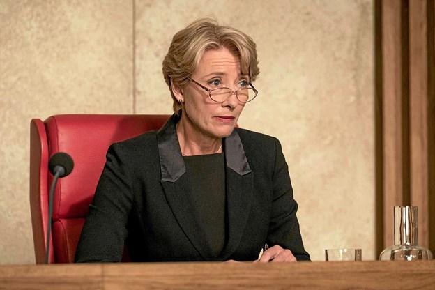 Emma Thompson har vakt begejstring for rollen som dommeren Fiona Maye. Her er hun i en scene fra filmen.