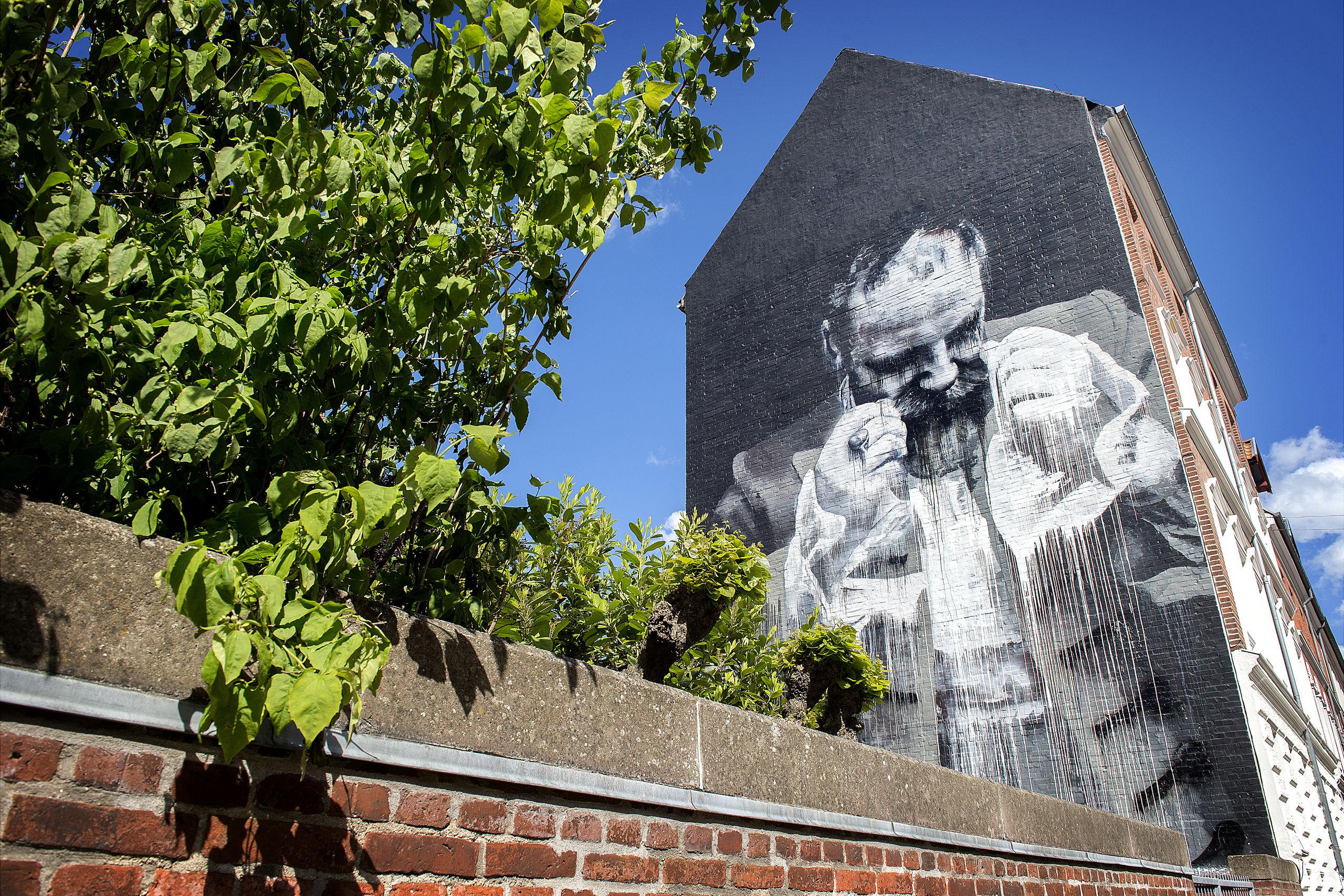 Street art turen går rundt til en række af Vestbyens gavlmalerier. Arkivfoto: Lars Pauli