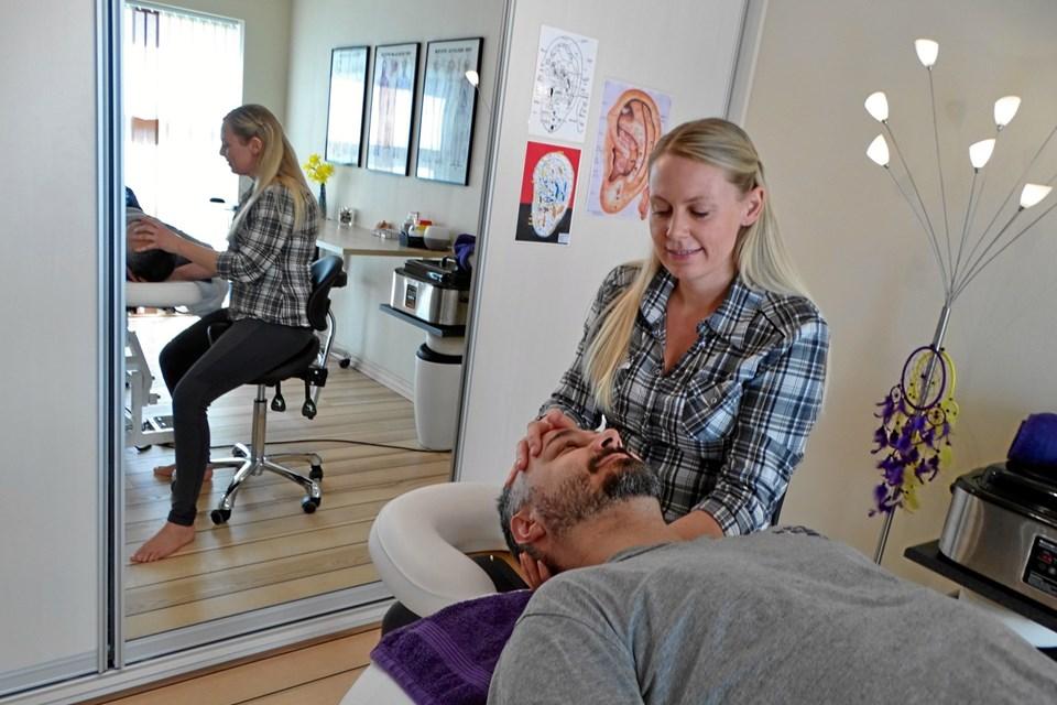 Eveliina Dalsgård har åbnet ny behandlerklinik på Vandværksvej.
