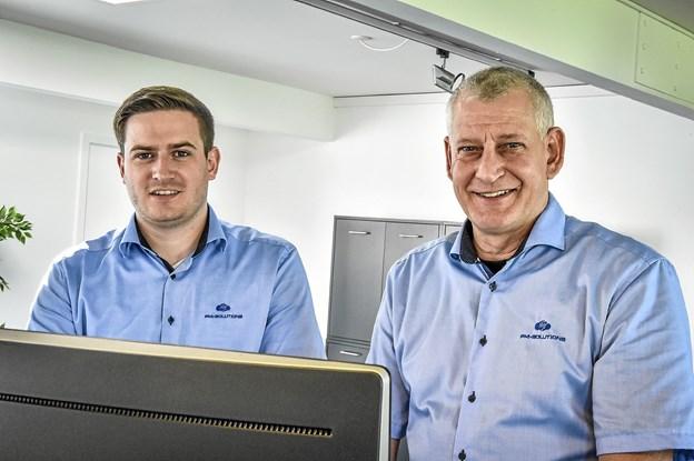 De to har tilsammen 32 år i IT-branchen og kender kundernes behov for personlig betjening og IT-løsninger der virker. Og ikke mindst, at hjælpen er til at få - når der er brug for det. Foto: Ole Iversen