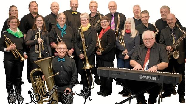 Øland Show Band underholder to gange i løbet af eftermiddagen.Privatfoto