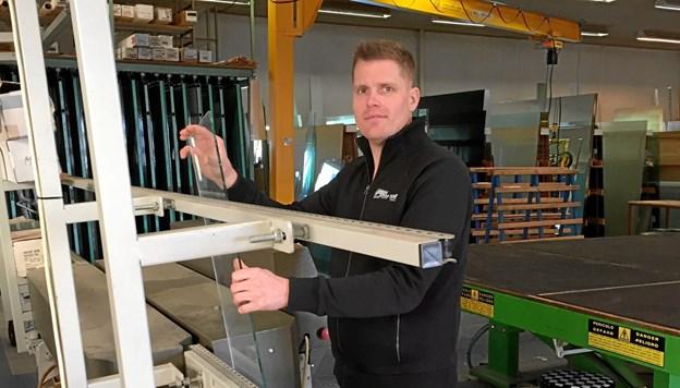 Jan Christensen tilbyder alt almindeligt glarmesterarbejde samt mere specialiseret og også indramning. Privatfoto