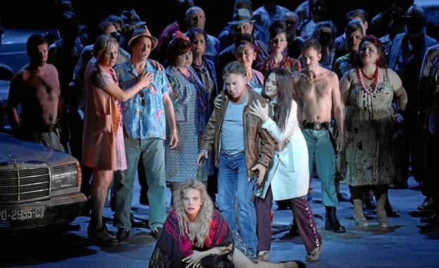 Publikum i Skørping kan lørdag føle sig hensat til Bastille Operaen i Paris, når Kinorevuen viser operaen Carmen. PR-foto