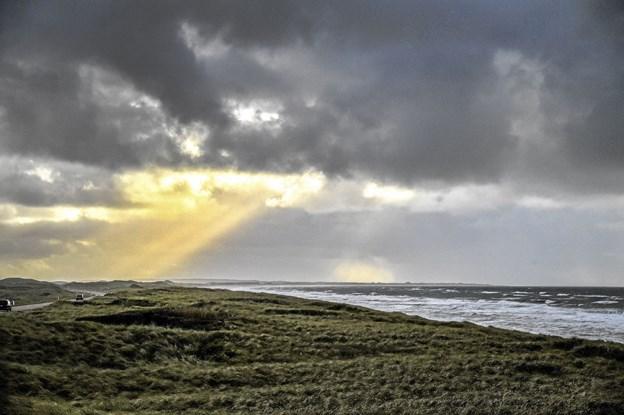 Flot natur og masser af bølger er tilsyneladende ikke nok til at skabe ønsker om at flytte til Thy ifølge boligsøgesiden boligdeal.dk. Foto: Ole Iversen