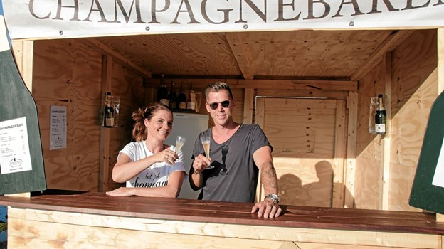 To champagne-entusiaster og indehavere af Champagne for Alle, Dinna og Michael Arbo delte ud af deres erfaringer og oplevelser om de forskellige champagner. Foto: Peter Jørgensen Peter Jørgensen