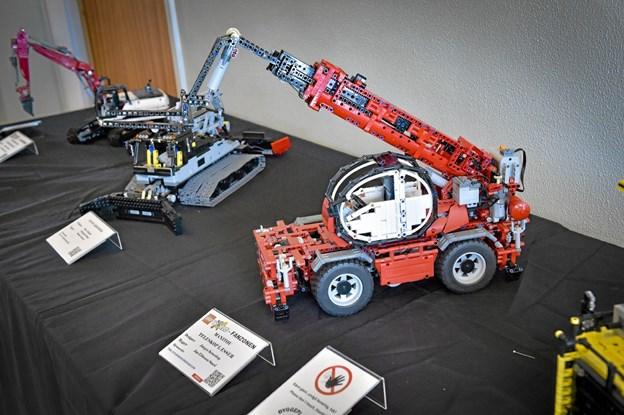 Imponerende modeller i stort format - bygget i LEGO - som denne Manitou. Foto: Ole Iversen Ole Iversen