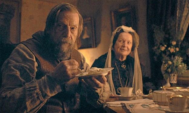 Hovedrollerne som bondemanden og hans kone i Før Frosten spilles af Jesper Christensen og Ghita Nørby, som her ses i en scene fra filmen. Foto: Jonas Svensson