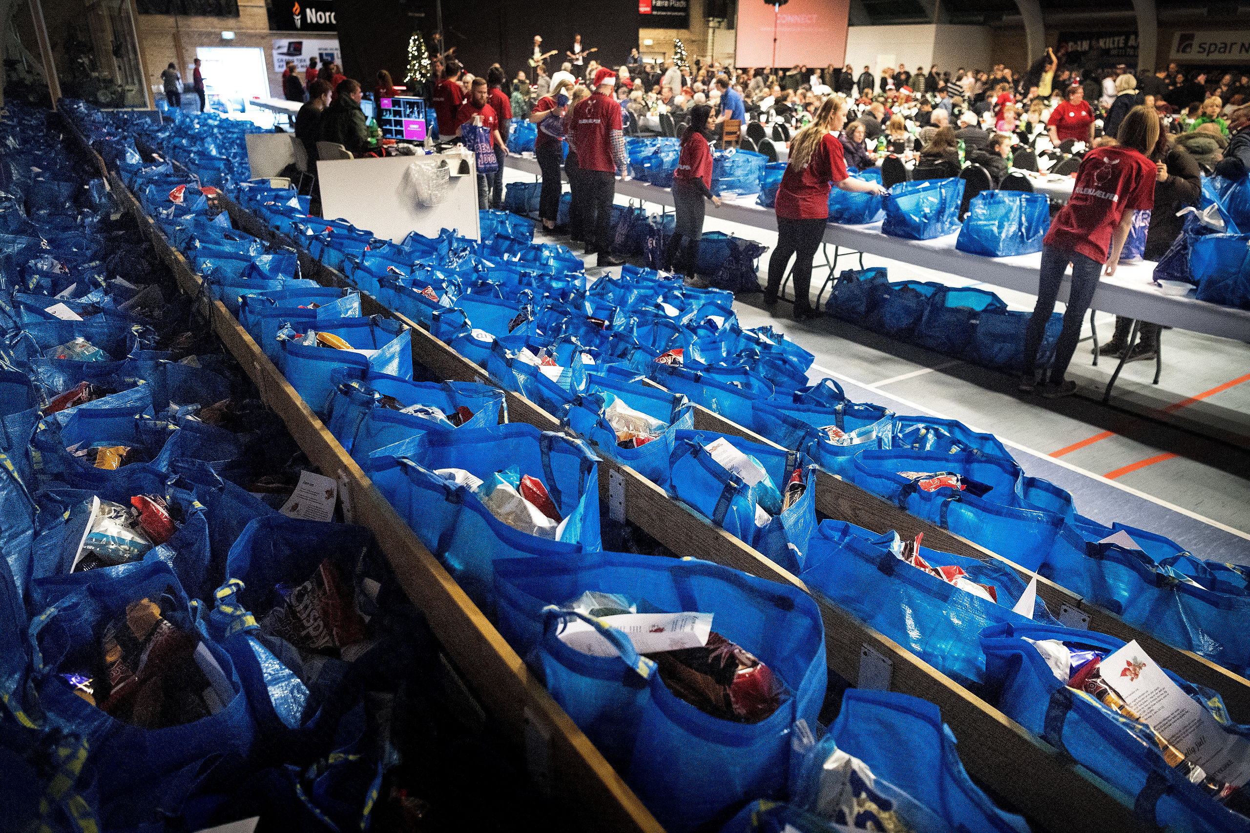 Sidste år var der julefest i idrætshallen på Østre Allé. Arkivfoto: Torben Hansen