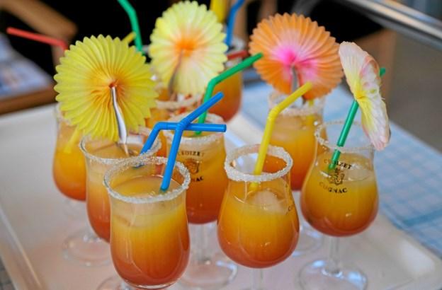 I anledning af indvielsen blev der serveret en ægte Tequila Sunrise, der består af et mål tequila, appelsinjuice og grenadine. ?Foto: Niels Helver Niels Helver