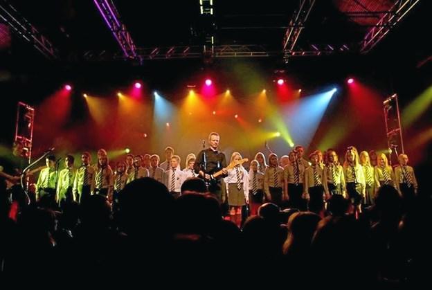 Pink Floyd Project går på scenen med Hadsund Skoles kor.