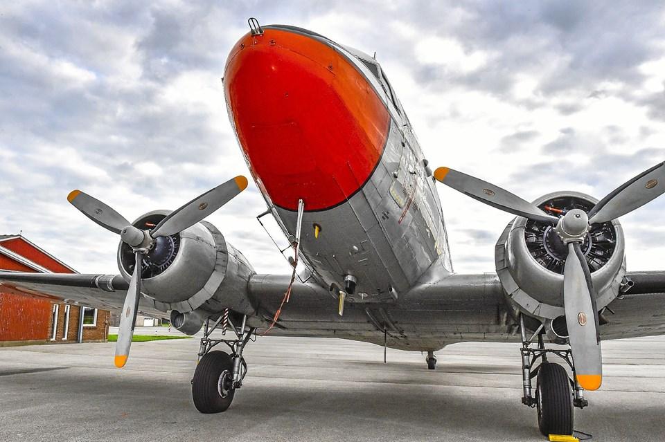 DC 3 er bygget i 10.000 stk. I dag er der kun mellem 150 og 200 aktive fly tilbage. Nogle endda stadig i kommerciel drift, blandt andet i Sydamerika og i Alaska. Foto: Ole Iversen