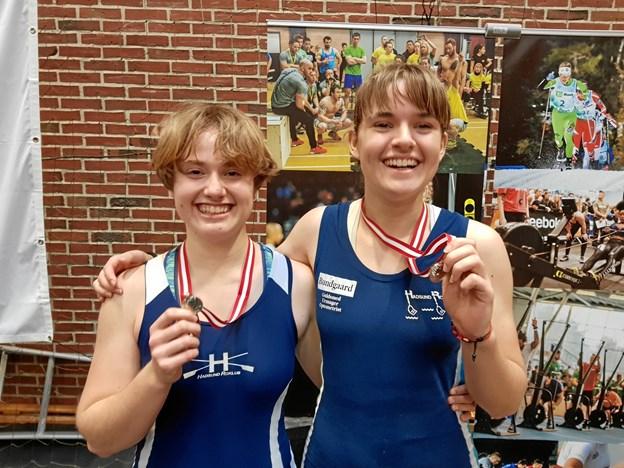 Laetittia Panero-Bommer og Lea Lübeck repræsenterede Hadsund Roklub i junior B-rækken. Privatfoto
