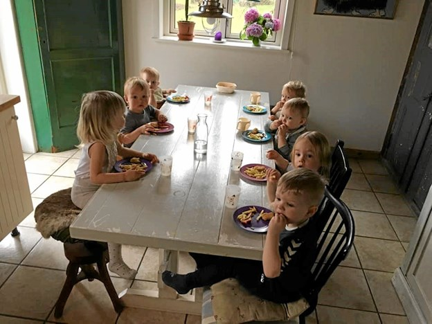 I dagens anledning var der pommes frites og nuggets til middagsmad. Foto: Privat Privat