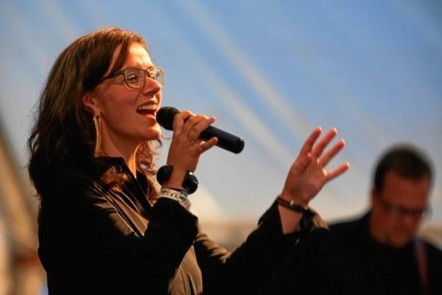 Gospelsanger og underviser Heidi Bisgaard står i spidsen for gospelworkshoppen.