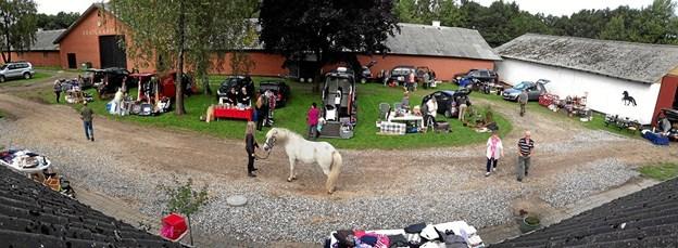Der var liv på Kratgaardens gårdsplads sidste år, da der også blev holdt marked. Privatfoto