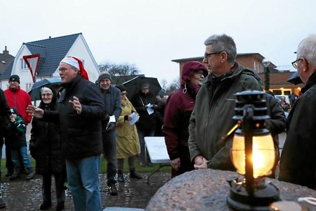 Borgerforeningens formand, Johannes Svaneborg (her med nissehue) bød velkommen. Foto: Allan Mortensen Allan Mortensen