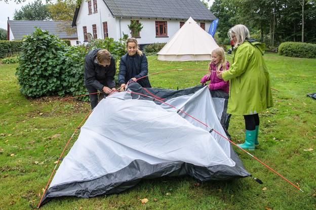 Brønderslev. Den nye aktivitetsgruppe Byens Børn holdt fælles overnatning i telte med hjælp fra familiespejderne Nørreå Gruppe. Foto: Peter Broen