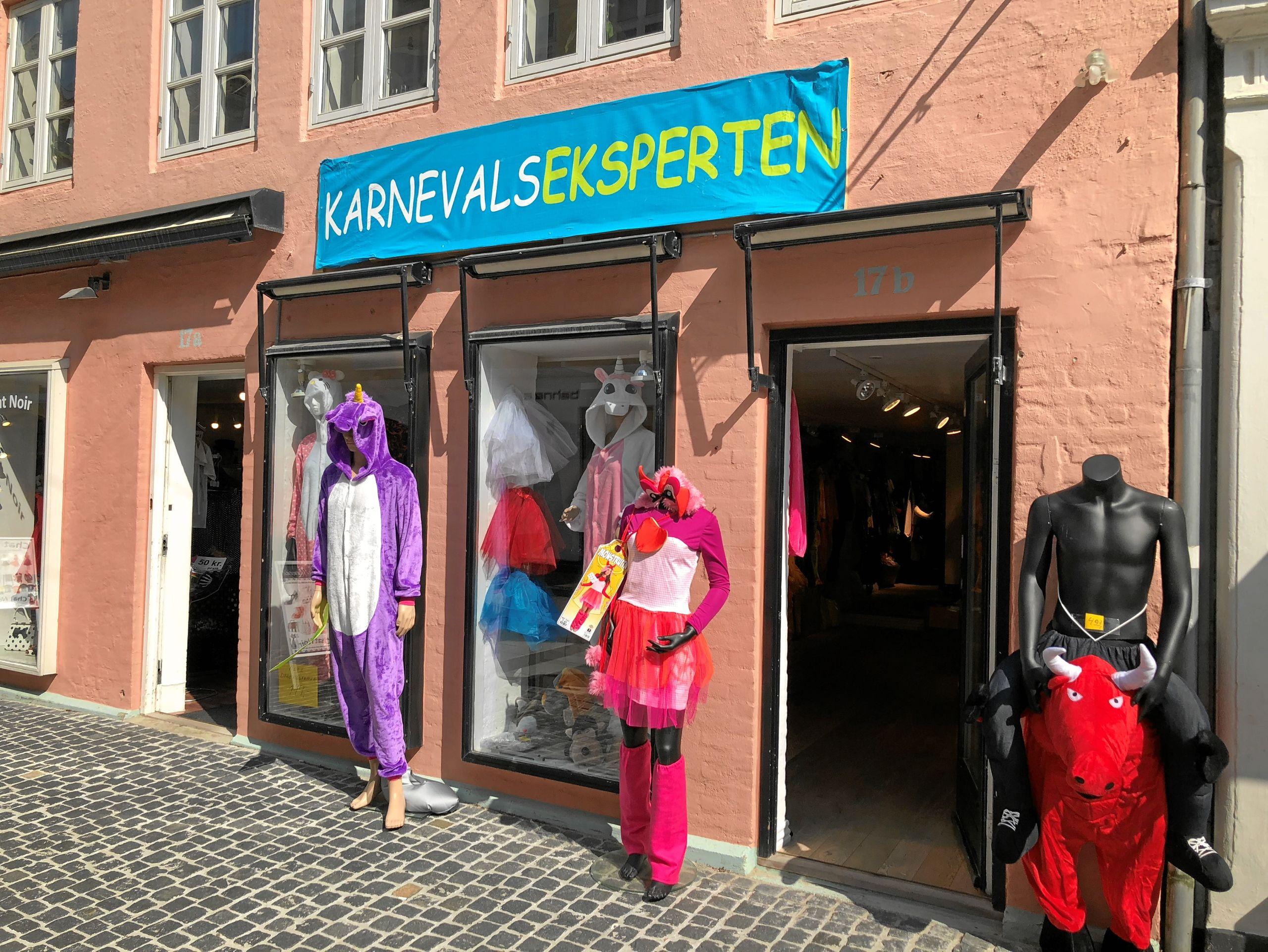 Nu kan du på opdagelse i kostumer til Karneval i Nørregade.   Foto: Henrik Poulsen