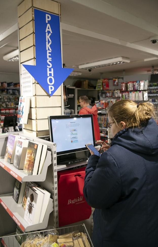 Kunderne skal bruge den mail eller SMS, de har fået fra pakkefirmaet til at indtaste ved terminalen.Foto: Kurt Bering Kurt Bering