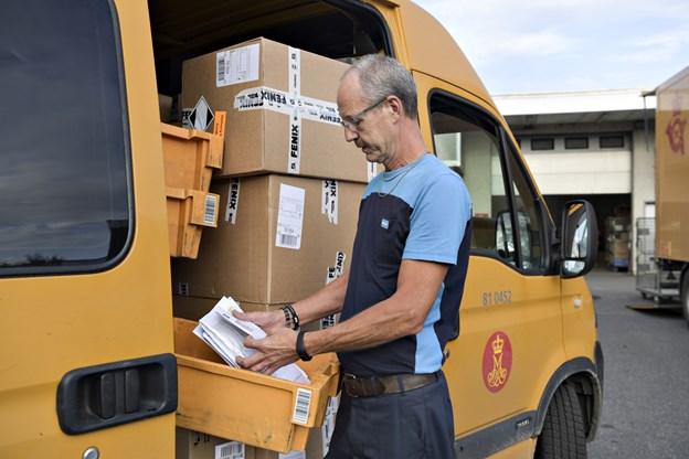 PostNord vil åbne 500 nye steder rundt i landet, hvor man kan afhente og sende pakker. Der åbnes ni nye steder i kommunen og det er forventeligt, at Sæby også begunstiges.