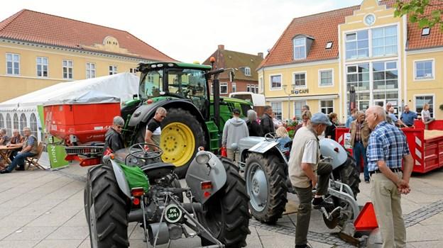 Landbrugets arbejdsheste blev i 50-erne afløst af de små Ferguson traktorer. Foto: Tommy Thomsen Tommy Thomsen