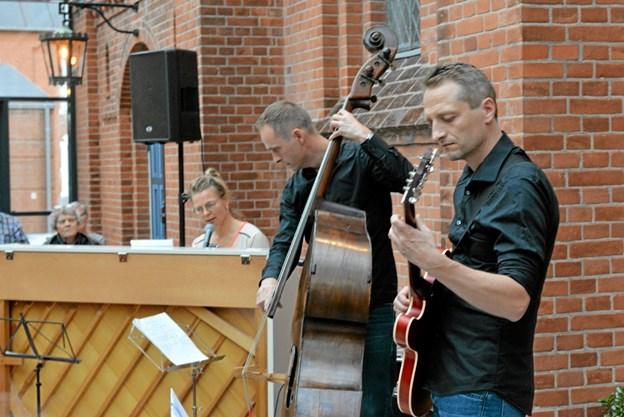Trioen, som ingen navn har, spillede og fortalte om afroamerikanernes musik efter den 1. verdenskrig. Foto: Mogens Lynge Mogens Lynge