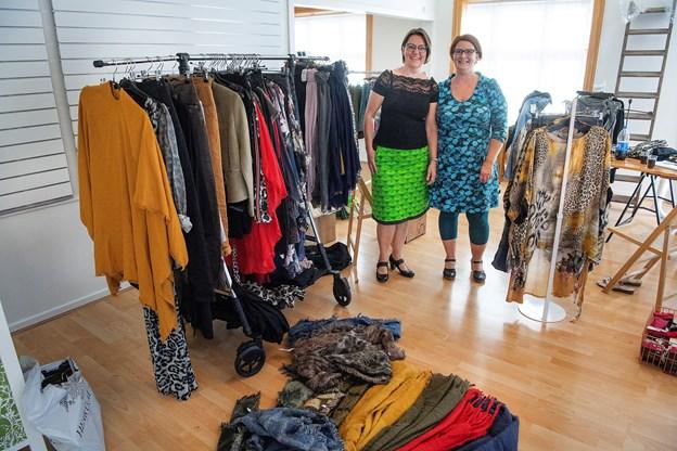 Udover egne kjoler tilbyder Min Kjole fremover også kjoler fra andre modelabels.