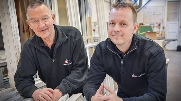 Willy Larsen, til venstre, har gradvist gennem tre år solgt sin virksomhed til Lars Holm Kristensen, som overtog firmaet helt 1. marts.