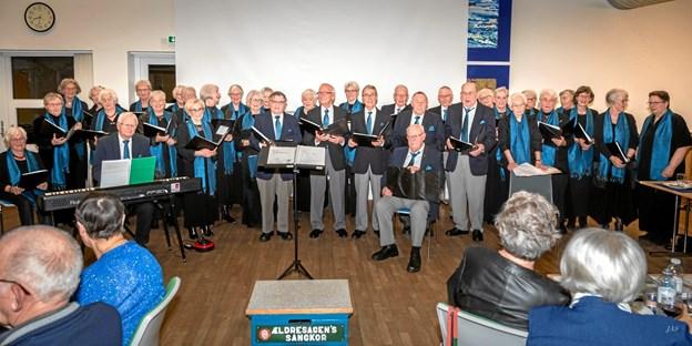 Seniorkoret Frederikshavn underholdt på årsmødet.