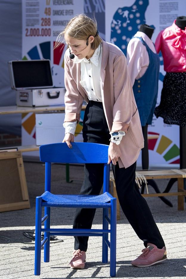 Blogger og influencer Lise Vandborg gav tips til, hvordan man kan genanvende både tøj og møbler.