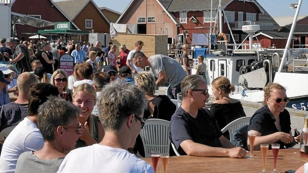 Prøvesmagning af champagne var et stort tilløbsstykke. Foto: Peter Jørgensen Peter Jørgensen