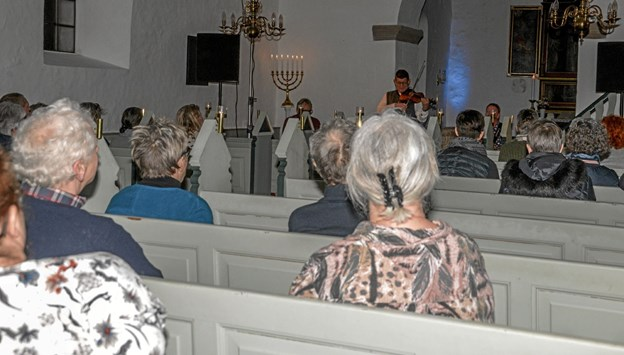 En særdeles velbesøgt koncert i Næsborg Kirke onsdag aften. Foto: Mogens Lynge Mogens Lynge