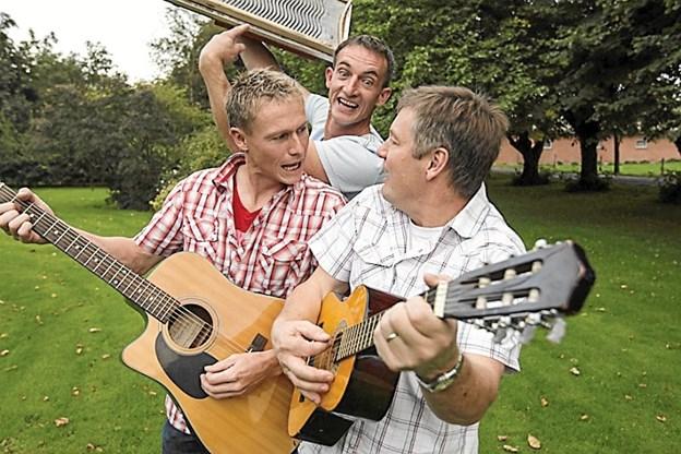 Beers for Tears spiller ved et arrangement i Hobro til fordel for Kræftens Bekæmpelse. Arkivfoto