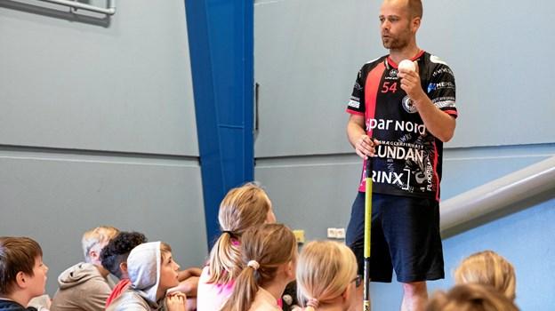 Kasper Bagenkop fra Frederikshavn Blackhawks fortalte om floorball MICHAEL MADSEN  OCTOMEDIA