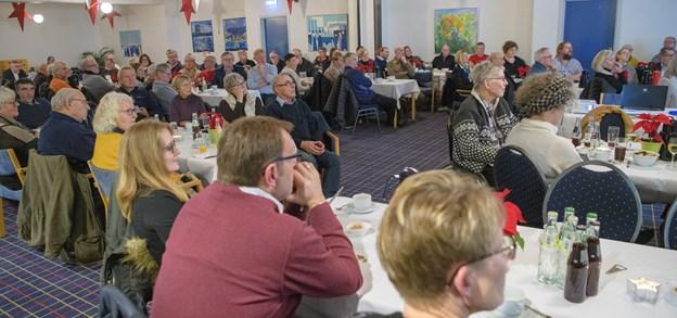 Omkring 100 borgere deltog i borgermødet om byjubilæet i Hirtshals næste år.  Foto: Peter Broen