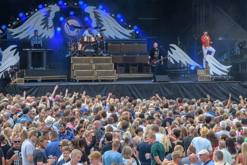 3000 af de 5000 billetter til Rock i Frederikshavn er nu solgt. 8. juni kan du blandt andet høre skønne Queen Machine, som fik pladsen til at koge i 2018.   Arkivfoto: Peter Broen.