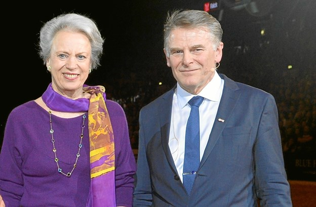 Jan Pedersen og H.K.H. Prinsesse Benedikte ved overrækkelsen af ridderkorset. Privatfoto
