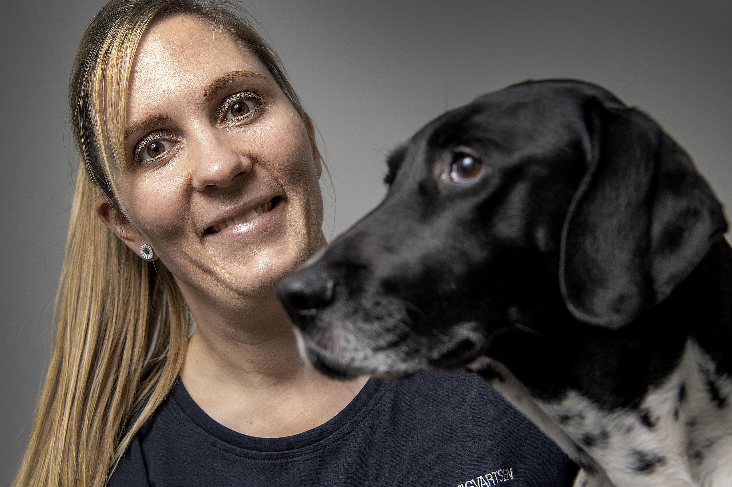 Louise reddede døende hvalp: Hun elsker sine patienter