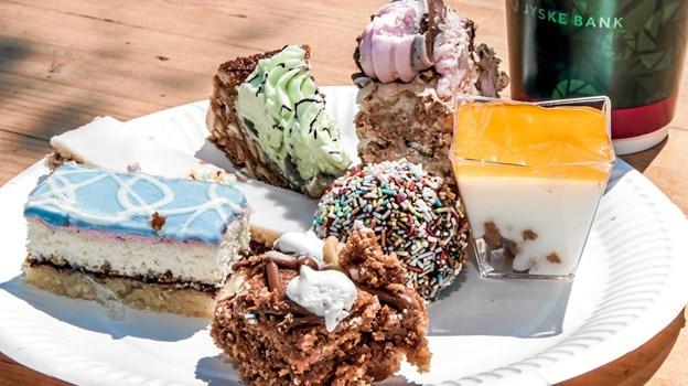 Forårstærte, Kiwitærte, jordbærroulade og Koldskål kager, var nogle af de kager gæsterne kunne smage på. Foto: Peter Jørgensen Peter Jørgensen